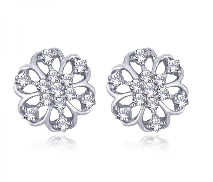 Daisy Floral Studs