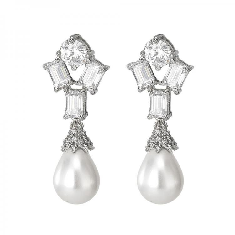 Exquisite Pearl drop Earring