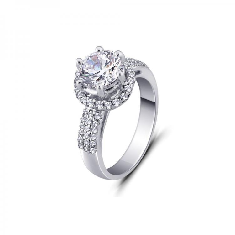 Superlative Cz Ring